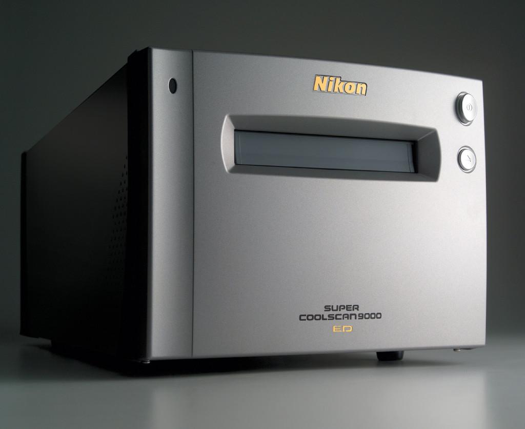Nikon_9000